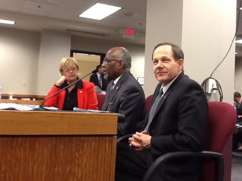 (l-r) House Cmte. chair Anne Zerr (R), St. Louis Co. Exec. Charlie Dooley (D) & St. Louis Mayor Francis Slay (D), all in support of the Boeing bill.