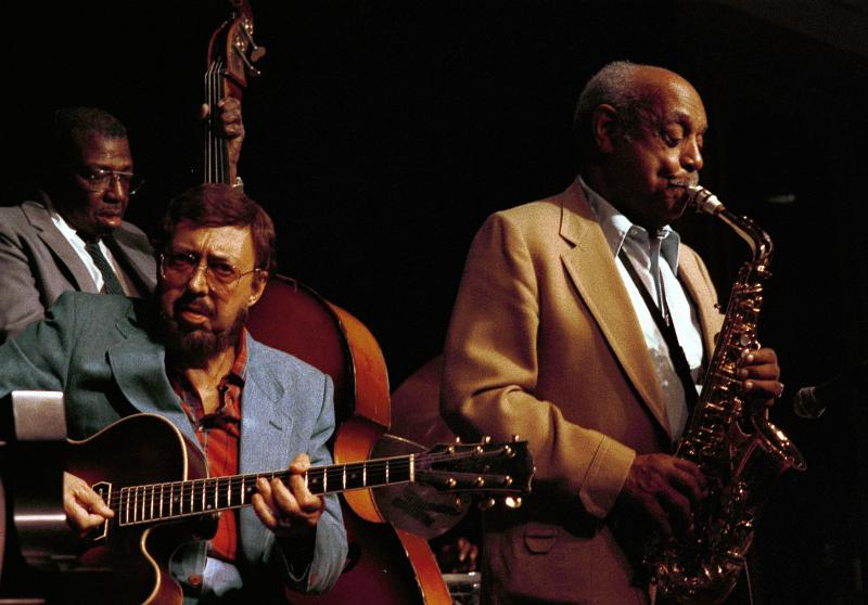 Major Holley (b) Barney Kessell (g) Benny Carter (as)