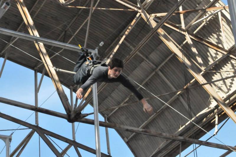 Ari Maayan flies solo