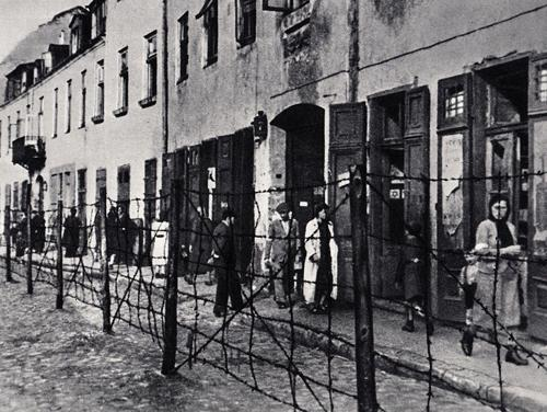 Krochmalna Street in the Warsaw Ghetto in 1941.