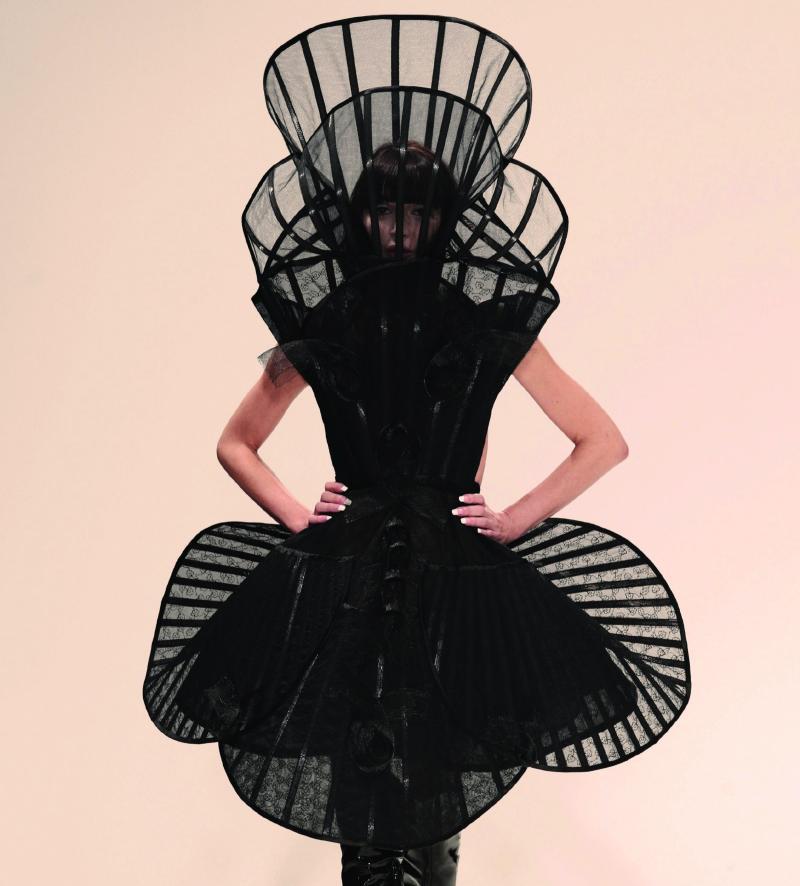 Pam Hogg, Black dress with collar