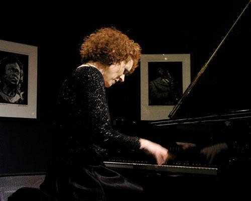 Lynne Arriale-2004
