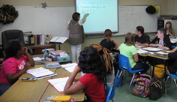 Linda Carter teaches Algebra II in South Pemiscot County High School in Steele, Mo.