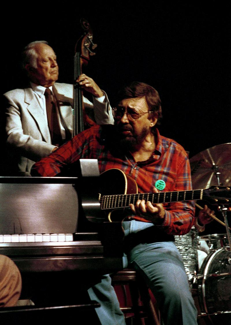 Bob Haggart (b-not on this show) Barney Kessel (g)-1988