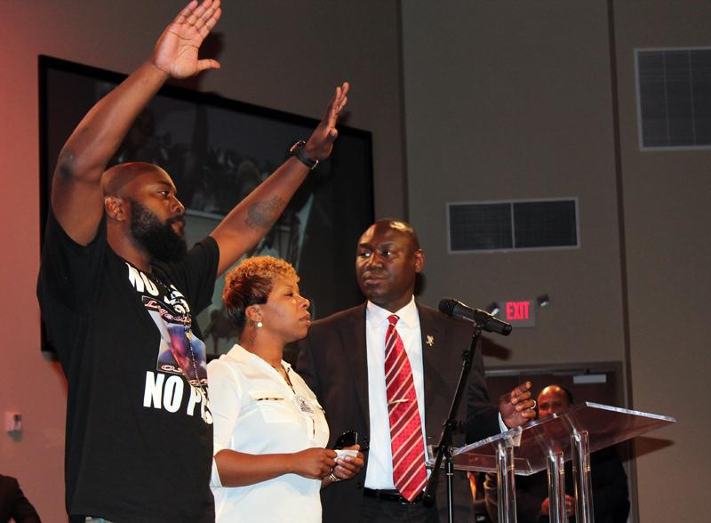 Michael Brown's parents, Michael Brown Sr. and Leslie McSpadden with attorney Ben Crump.