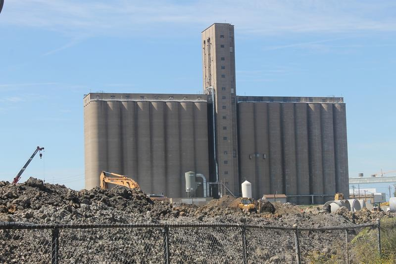 A full view of the grain elevator from S. Vandeventer Ave.