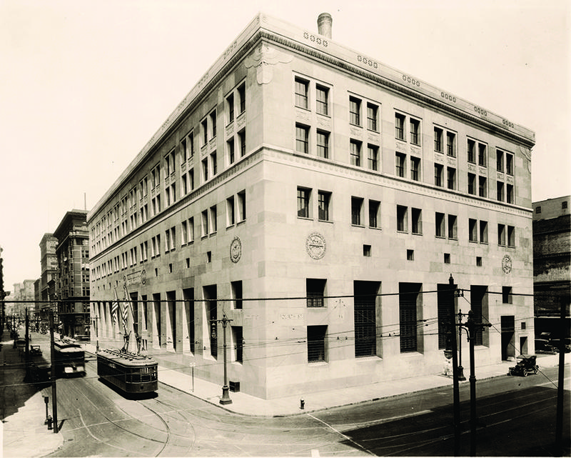 The Federal Reserve Bank of St. Louis at Locust St. and N. Broadway, circa 1924-1925 just after the building went up.