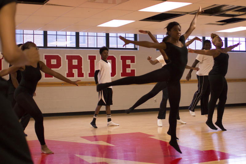 Normandy High School students learn ballet from Dance Theatre of Harlem's teaching artists Theara Ward