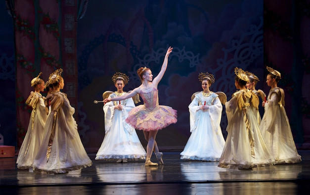 The Saint Louis Ballet's 'Nutcracker' features the professional company and students from the St. Louis Ballet School.