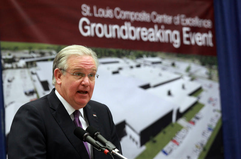 Gov. Jay Nixon praises the new Boeing facility that will bring 700 jobs to the St. Louis area