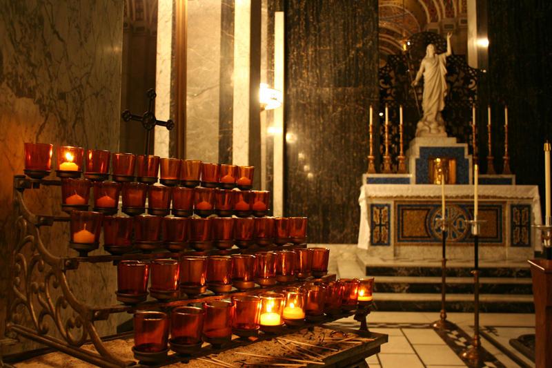 Cathedral Basicila of St. Louis votive candles