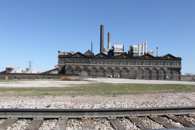 The historic Union Electric Light & Power Company building, now owned by Trigen-St. Louis Energy Corp., is still a working power plant. It overlooks the Mississippi in the southeast corner of the planned stadium development.