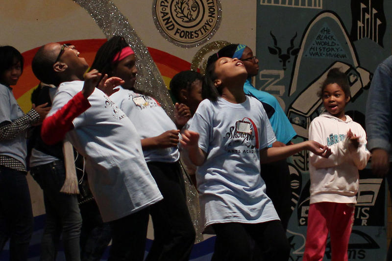 "Show Me Arts Academy kids rehearse to Bruno Mars' ""Uptown Funk"""