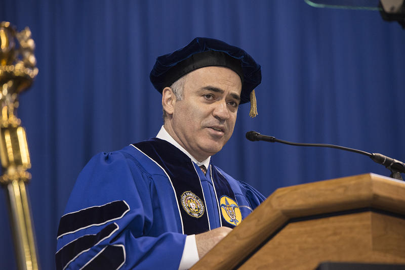 Garry Kasparov addresses graduating students at Saint Louis University May 2015