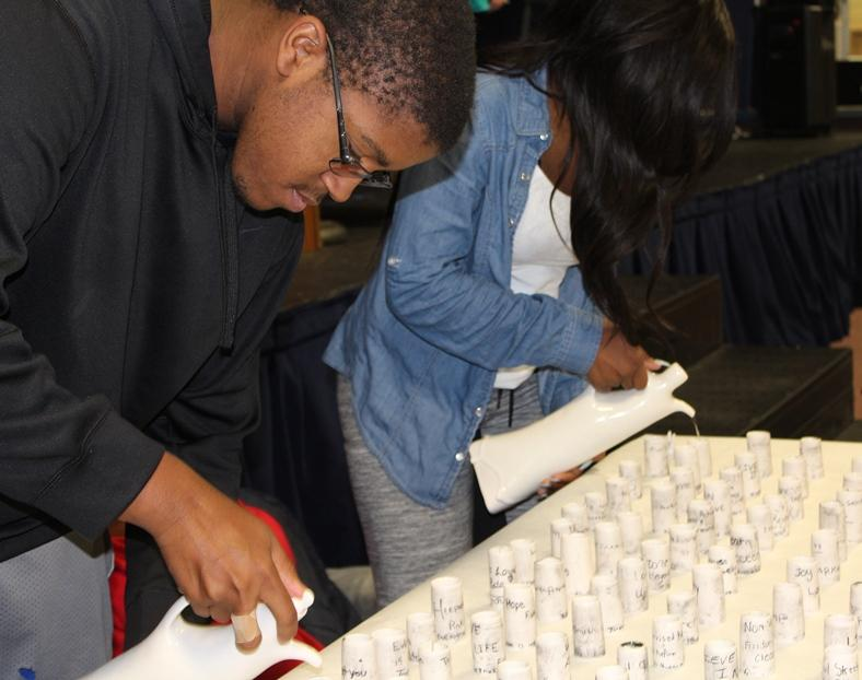 Students pouring tea