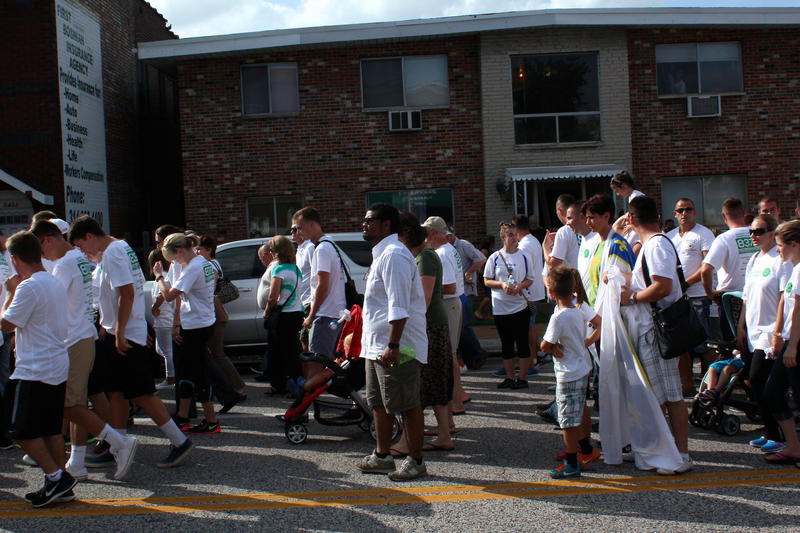 Antonio French marches in support of St. Louis Bosnians