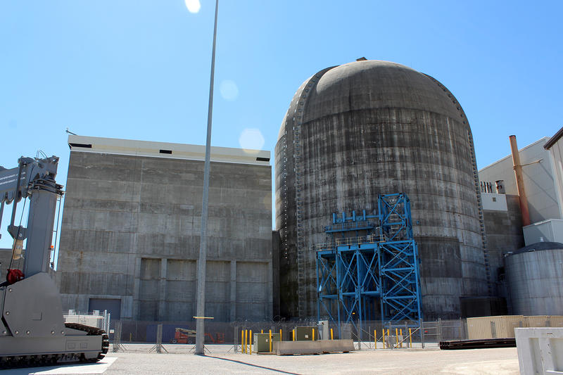 Callaway's spent fuel building (left) houses the pool that up until now has stored all the nuclear waste generated by its reactor (domed building, right).