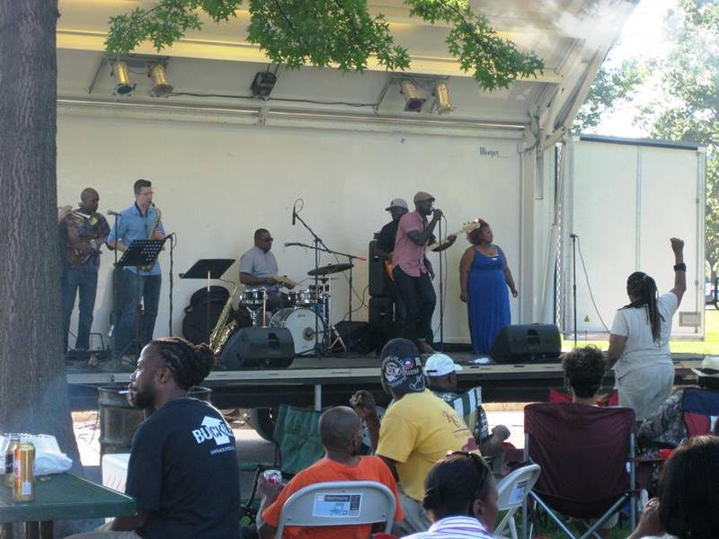 Brian Owens performing in St. Louis' O'Fallon Park, four days after Michael Brown's death