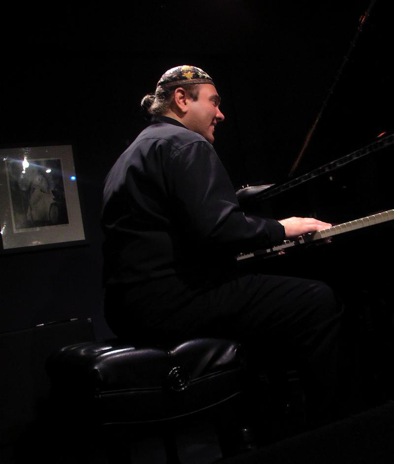 Edsel Gomez-2001