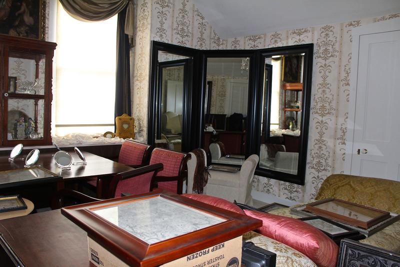 Some furnishings and artifacts were moved to the second floor of the Jean-Baptiste Valle House.