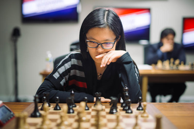 Hou Yifan played at the Showdown in St. Louis.