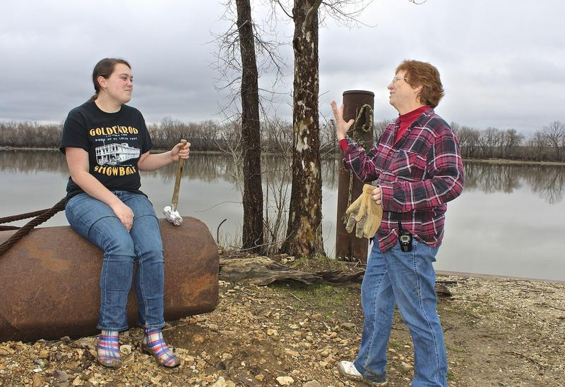 Volunteers Samantha Scott and Rhonda Wieneke have been helping to remove artifacts from the Goldenrod.