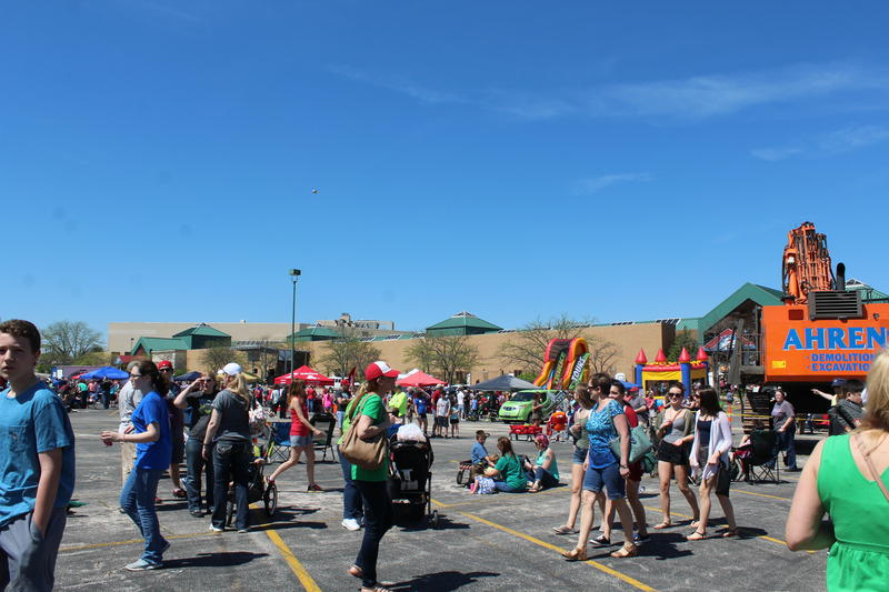 Beautiful weather and dozens of food trucks brought out thousands of residents with fond memories of the now vacant Crestwood mall. Live music was performed in the afternoon.