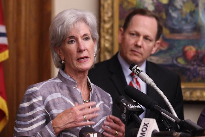 Health and Human Services Secretary Kathleen Sebelius and Mayor Francis Slay