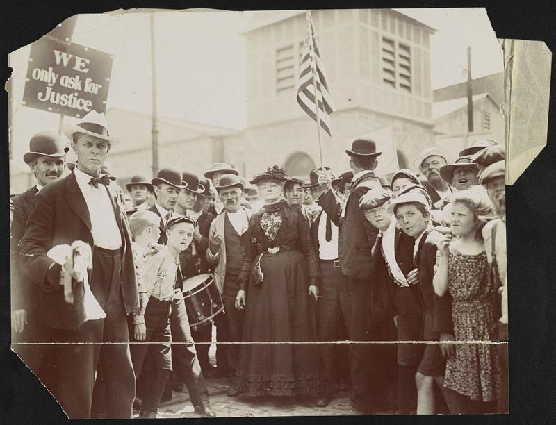 Mother Jones with striking textile workers in New York.