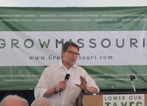 Rick Perry wants Missouri employers to head to Texas.