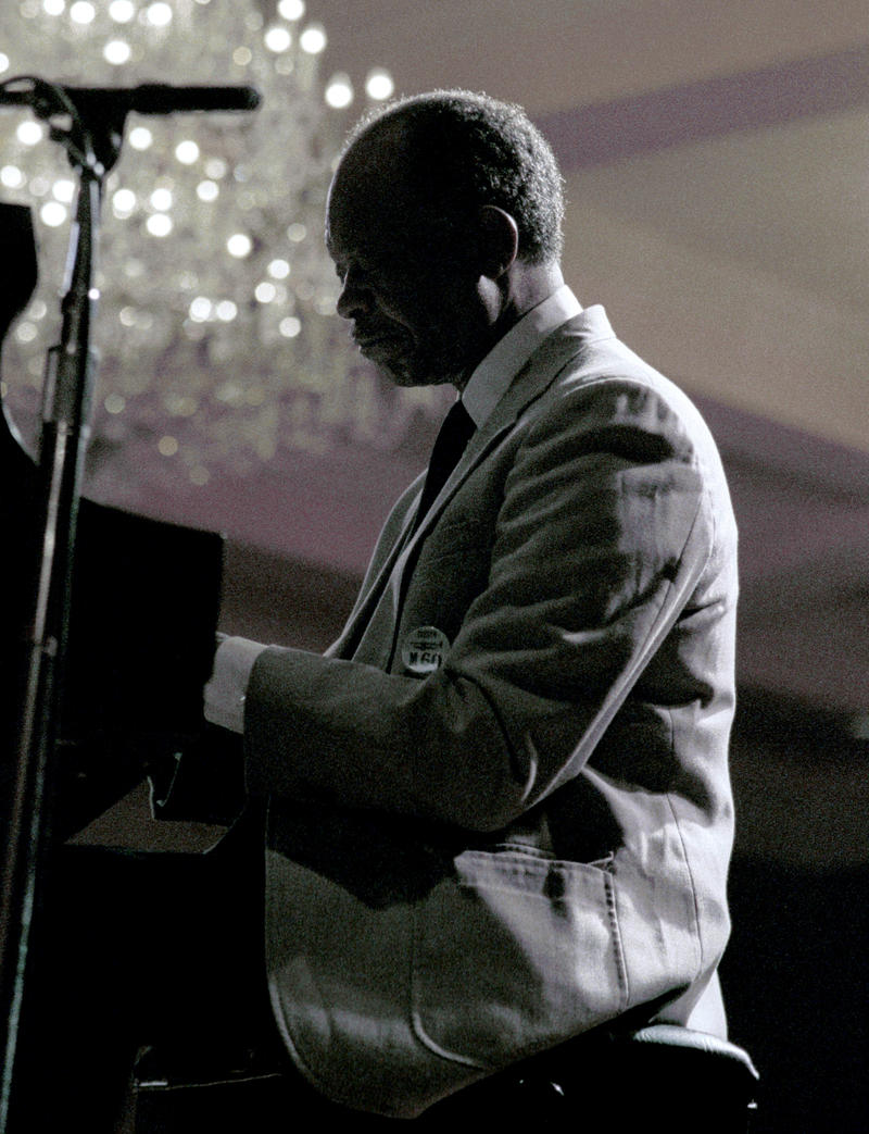 Hank Jones-2002
