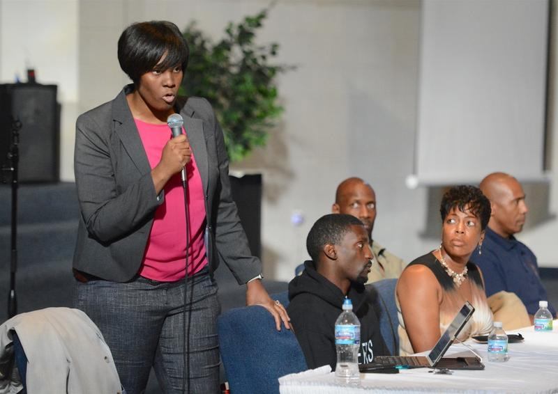 Ethical Society of Police president Sgt. Heather Taylor speaks to a forum on disparities in the St. Louis police and fire departments on July 7, 2016. Her organization has called on chief Sam Dotson to resign.