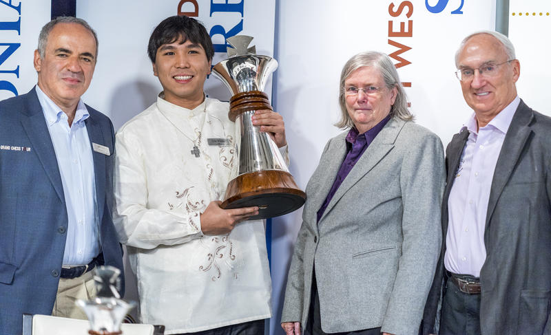 Grandmaster Garry Kasparov, from left, with Grandmaster Wesley So, winner of the 2016 Sinquefield Cup, and Jeanne and Rex Sinquefield.