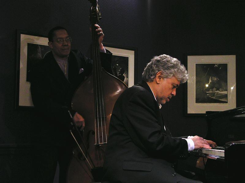 Hassan Shakur (b) Mony Alexander (p)-2004