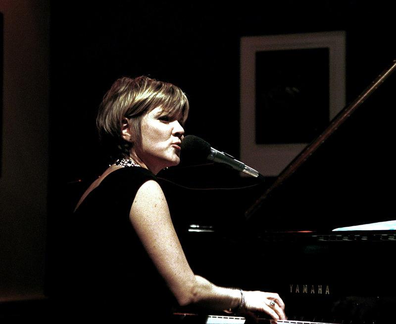 Karryn Allyson-2002