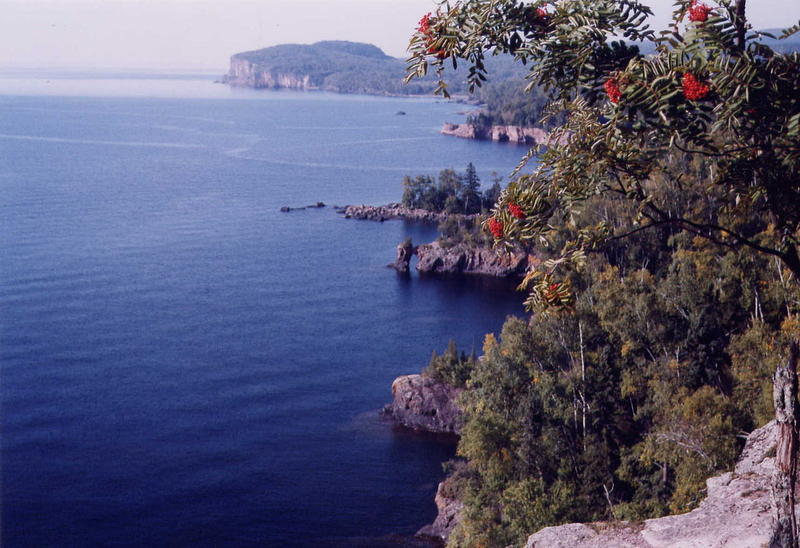 The cliffs of the Tettegouche State Park in Minnesota are made of volcanic rocks that were formed by the Midcontinent Rift.