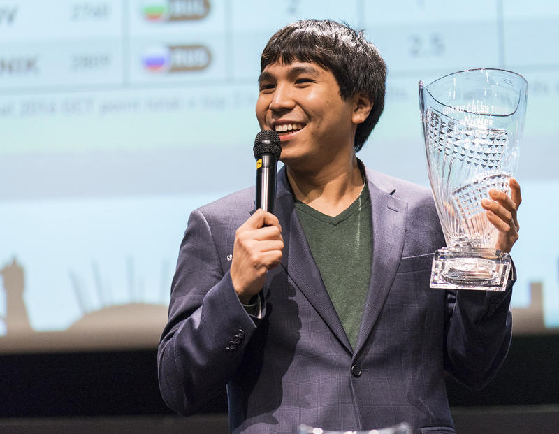 Wesley So with the Grand Chess Tour 2016 trophy