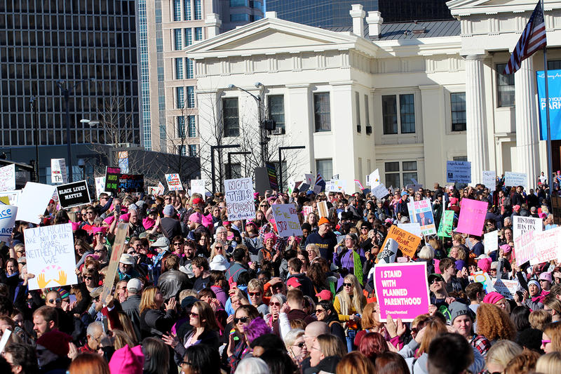 A crowd packs Luther Ely Smith Square after the St. Louis Women's March, Jan.21, 2017.
