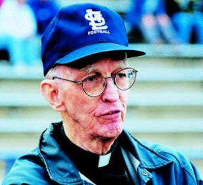 Andy Struckhoff Father Martin Hagan, 1919-2008, passed away the morning of April 28, at St. Louis University Hospital. Fr. Hagan began his tenure at SLUH in 1950, having joined the Society of Jesus in 1937. (300 pxels)