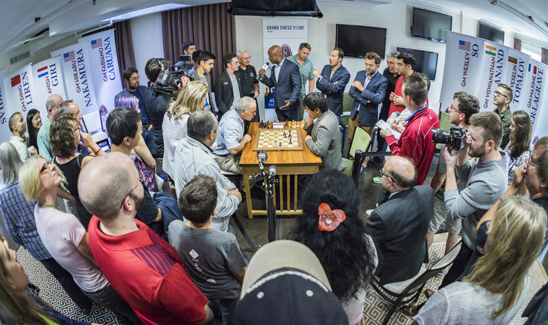 Former world champion Garry Kasparov and grandmaster Wesley So compete in 2016.
