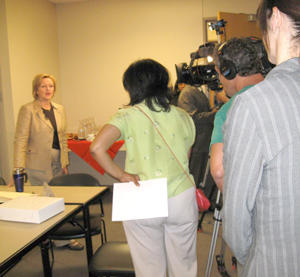 Sen. Claire McCaskill talks to the media at a foreclosure clinic Saturday. 300 pixels. 2008
