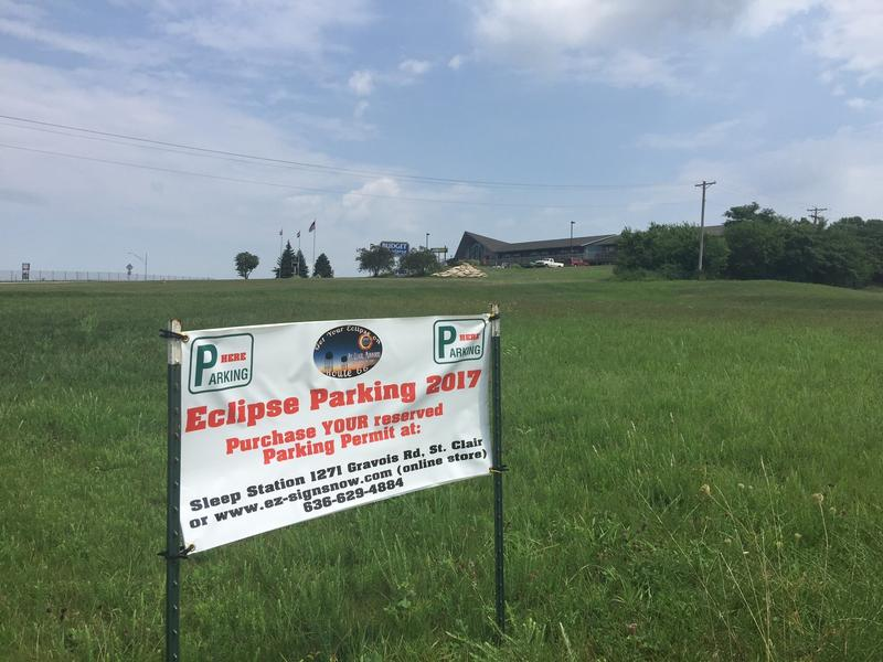 The city of St. Clair, Missouri, is issuing permits to help keep some order when it comes to parking as thousands arrive for the eclipse.