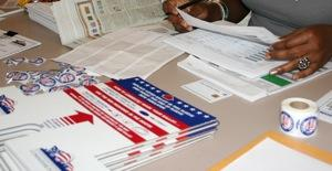 inside polling place, ballots, 2008, 300 pixels wide