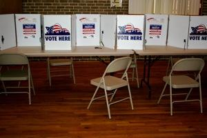 Shortly before noon, no voters were using this city polling place. 2008 - 300 pixels