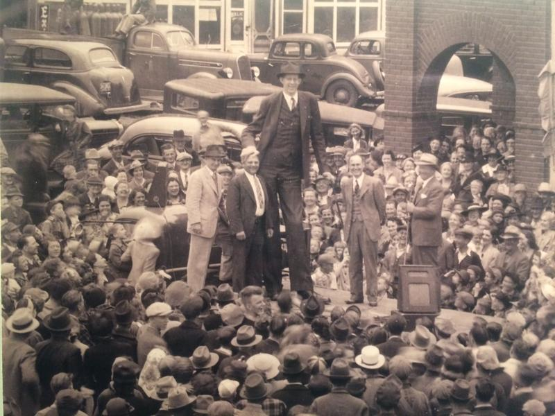 Robert Wadlow on tour with the International Shoe Company. Crowds of thousands would flock to Wadlow wherever he went.