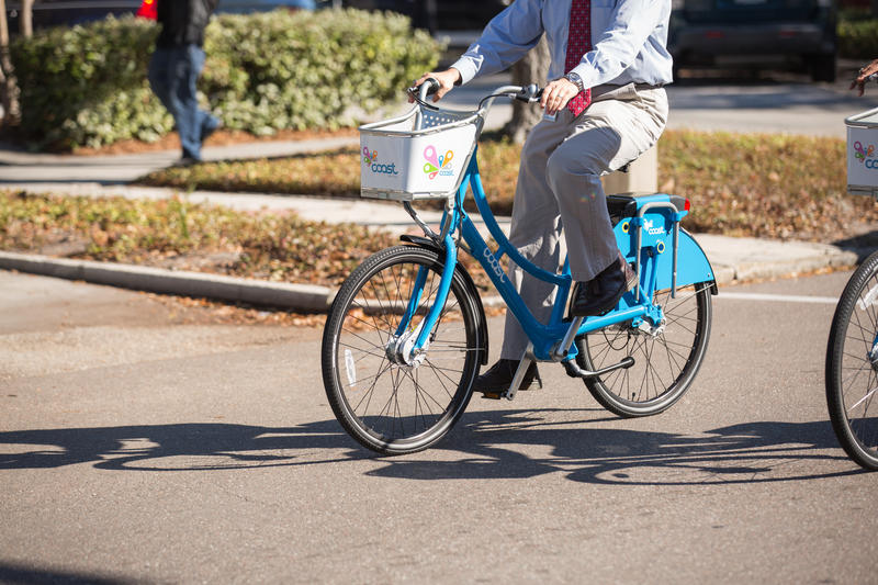 "St. Louis is accepting applications for a company to operate a ""dockless"" bike share system in the city. Officials hope a service will be operating some time this year."