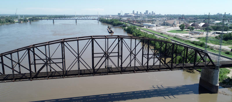 The 128-year-old Merchants Bridge is receiving a $172-million renovation. July 11, 2018.