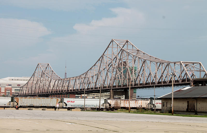 The Martin Luther King Jr. Bridge, built in 1951, is a major thoroughfare connecting Illinois and downtown St. Louis.
