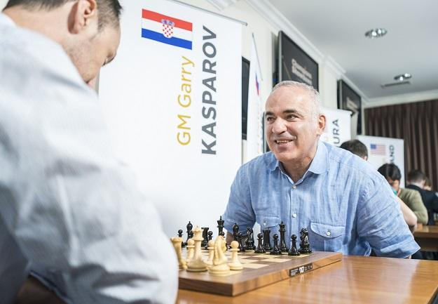 Garry Kasparov (facing camera) and Veselin Topalov compete in the Champions Showdown Chess960 event at Saint Louis Chess Club in September 2018,