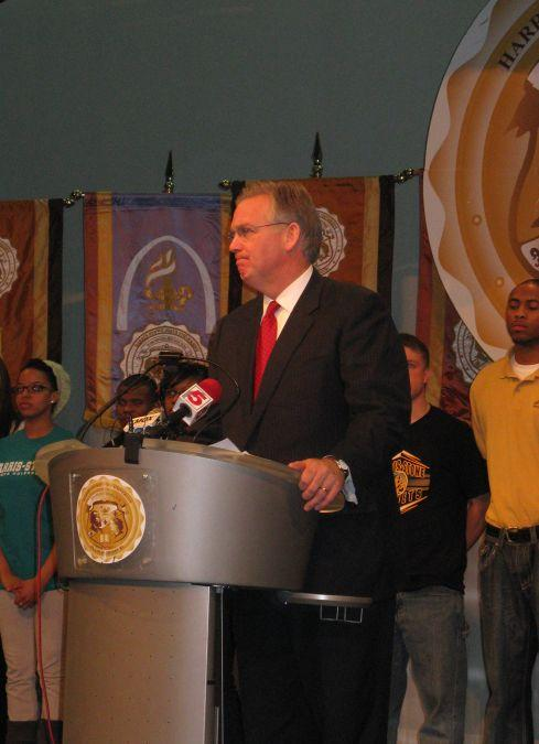 Gov. Jay Nixon announces an agreement on tuition and state funding at Harris-Stowe State University